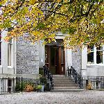 Aberdeen Youth Hostel entrance
