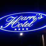 Harri's Hotel