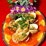 Steamed clams with lemon and garlic
