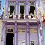 Photo de La Casa Purpura (Purple House)