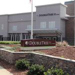 Photo of DoubleTree by Hilton Hotel Raleigh - Brownstone - University