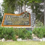 ‪Mountaineer Lodge‬