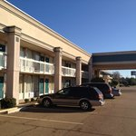  3 Rivers Inn &amp; Suites exterior