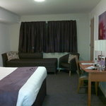 Photo de Premier Inn Cardiff City Centre