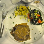 Bellini tenderloin of beef with sauteed vegetables
