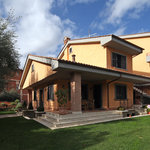 Aurelia Garden Gold Bed and Breakfast
