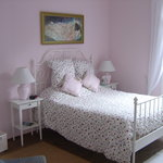 Chambre rose (Pink bedroom)