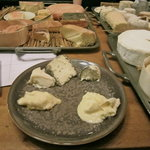 Selecting the cheese (37358555)