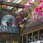 Swans Suite Hotel - Victoria's Boutique Art Hotel