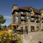 Canadian Mountain Lodging - Kicking Horse Mountain Resort