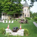 Creighton Manor Inn Bed And Breakfast