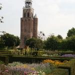  Lieve Vrouwkerk, tegenover hotel