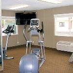 Fitness room with state of the art Precor equipment