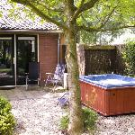 De Tuinkamer, Terrace with private jacuzzi