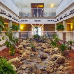  MIComfort Inn Atrium