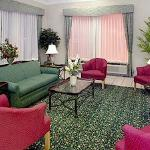 Фотография Baymont Inn & Suites Marshall-East End Blvd
