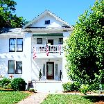 Φωτογραφία: The Milton House Bed and Breakfast Inn