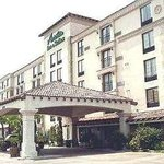 Antonian Inn &amp; Suites