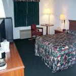 All American Inn & Suites Norwalk resmi