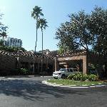 Φωτογραφία: Courtyard Fort Lauderdale Plantation