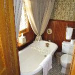 Bathroom - Ella's veranda suite
