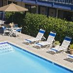 Americas Best Value Inn Irvine resmi