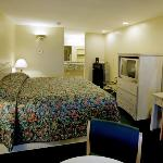 Riviera Inn & Suites