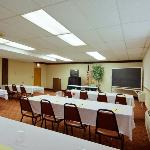 Foto de Americas Best Value Inn - Cleveland Airport