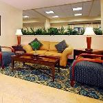 Фотография Comfort Inn & Suites Airport