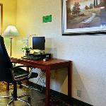  NEComfort Inn Business Center