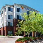 ‪Comfort Inn & Suites South Burlington‬