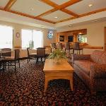 Photo de Rodeway Inn & Suites