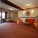 Photo de Newport Ambassador Inn & Suites