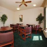 Econo Lodge Inn & Suites Granite City Foto