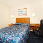 Econo Lodge Inn & Suites Lake of the Ozarks Foto