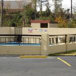 Americas Best Value Inn & Suites Macon resmi