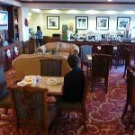  Hampton Inn Lobby/Breakfast Area