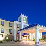 ‪Holiday Inn Express Hotel & Suites Garden City‬