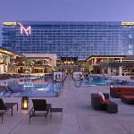 M Resort Spa Casino resmi