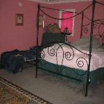  Extra cot in pink room