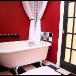  Our fun bathroom with clawfoot tub