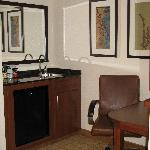 Medford Hyatt Place Wet Bar