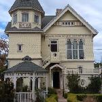 Фотография The Victorian Mansion at Los Alamos