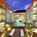 HARRIS Hotel & Residences Riverview Kuta Foto