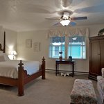 The Oval Door Bed and Breakfast Inn