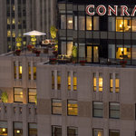 ‪Conrad Chicago‬