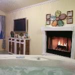 Arbor Cottage's Hot Tub on Screen Porch