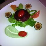 baby spinach, roasted beets and fresh figs salad