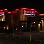 A nightview of the Oak Lawn, Longhorn Steakhouse