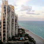 Φωτογραφία: Doubletree by Hilton Ocean Point Resort & Spa - North Miami Beach